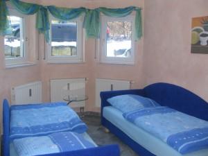 https://apartment-im-dresdner-amselgrund.de/wp-content/uploads/2012/09/Kleines-Haus.jpg