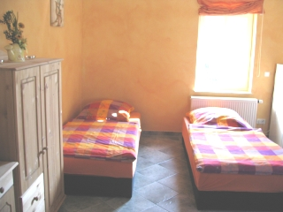 https://apartment-im-dresdner-amselgrund.de/wp-content/uploads/2012/09/apartmentbild3.jpg