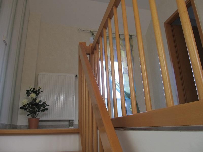 http://apartment-im-dresdner-amselgrund.de/wp-content/uploads/2017/03/Blick-zur-oberen-Terasse.jpg